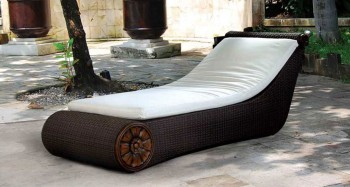 Emerald Lounger outdoor furniture